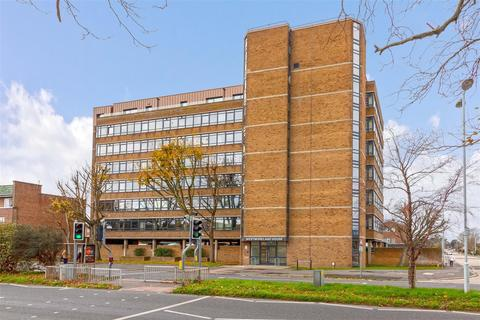 1 bedroom flat for sale - Strand Parade, Goring-By-Sea, Worthing