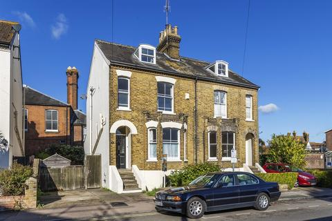 4 bedroom semi-detached house for sale - Newton Road, Faversham