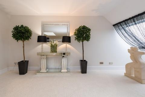 3 bedroom penthouse for sale - St Monicas Road, Kingswood