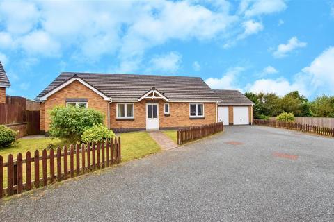 3 bedroom detached bungalow for sale - Skomer Drive, Milford Haven