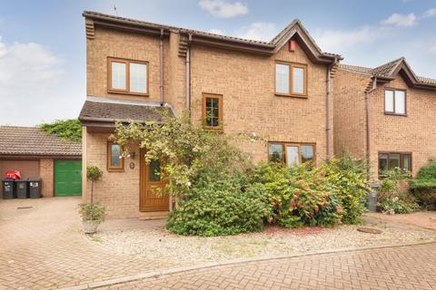 4 bedroom detached house for sale - Bromstone Road, Broadstairs