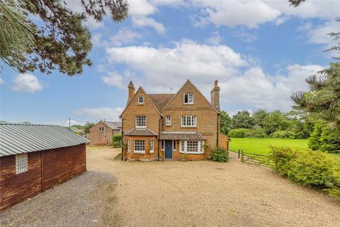 5 bedroom detached house for sale - Coopers Green Lane, Welwyn Garden City, Hertfordshire