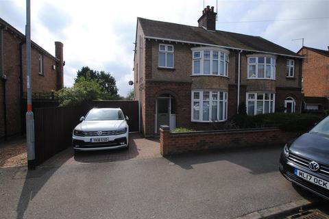 3 bedroom semi-detached house for sale - Prospect Avenue, Rushden