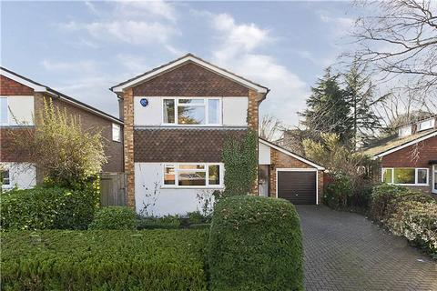 3 bedroom semi-detached house to rent - Camm Gardens, Thames Ditton, Surrey, KT7