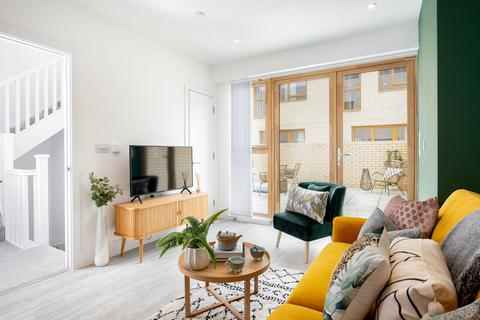 2 bedroom flat for sale - Southmere SO at Harrow Manorway and Yarnton Way, Thamesemead, Bexley SE2