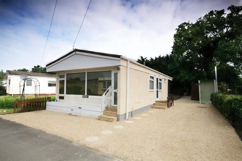 3 bedroom park home for sale - Alpha Avenue, Garsington, OX44