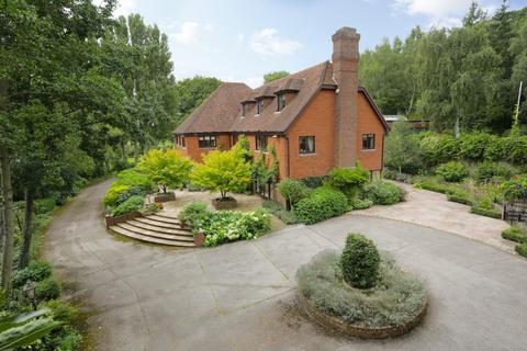 9 bedroom detached house for sale - Iwade Road, Newington, Sittingbourne
