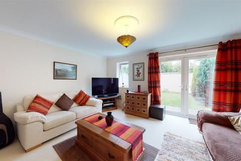 3 bedroom semi-detached house for sale - Hubert Way, Broadstairs
