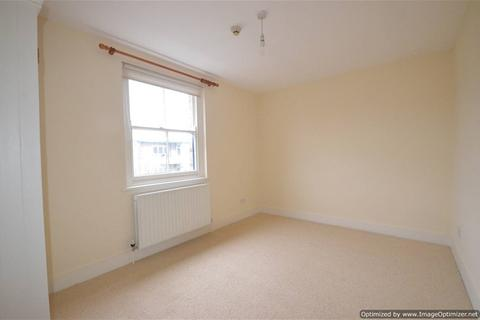 Studio to rent - Forest Road, London Fields