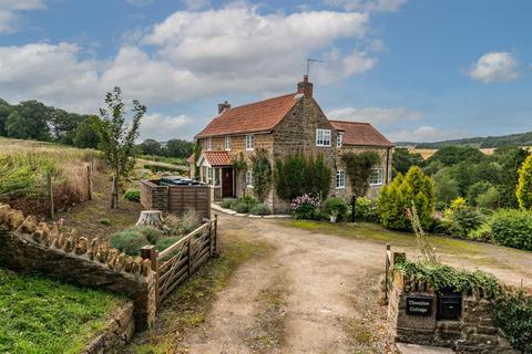 5 bedroom detached house for sale - Thwaites Cottage, Hovingham Lodge, Scackleton, York, North Yorkshire YO60 4NA