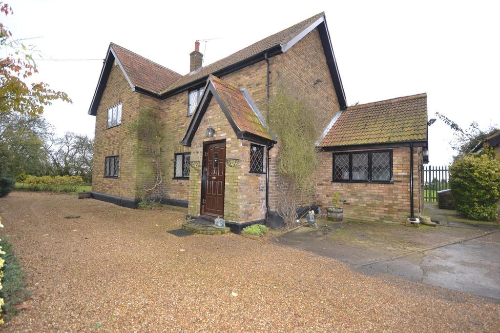 4 Bedrooms Detached House for sale in Fen Lane, North Ockendon, Upminster, Essex, RM14