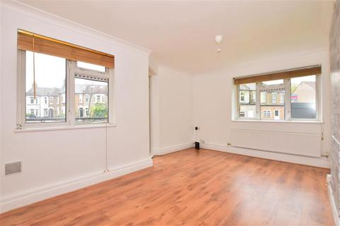 2 bedroom ground floor flat for sale - Chigwell Road, South Woodford
