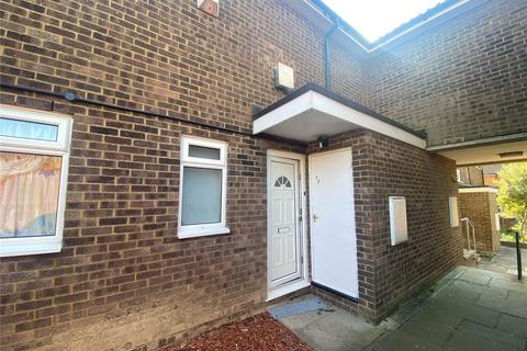 3 bedroom terraced house to rent - Wexham Close, Luton, LU3