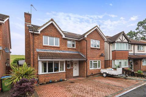 5 bedroom detached house for sale - Regency Gardens, Walton-On-Thames, KT12