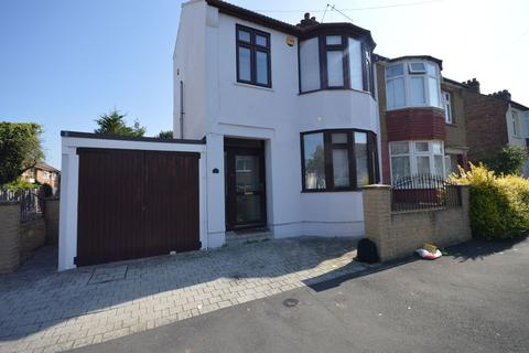 4 bedroom terraced house to rent - Knighton Road, Romford