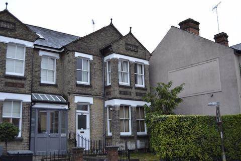 Studio to rent - MALDON ROAD