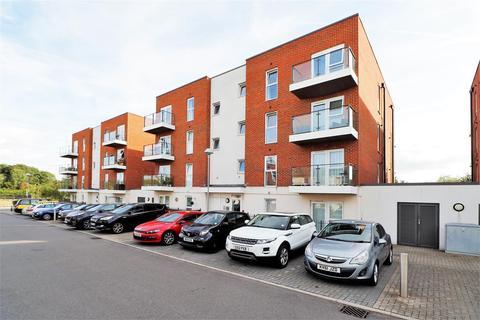 1 bedroom property to rent - Alcock Crescent, Crayford, Dartford