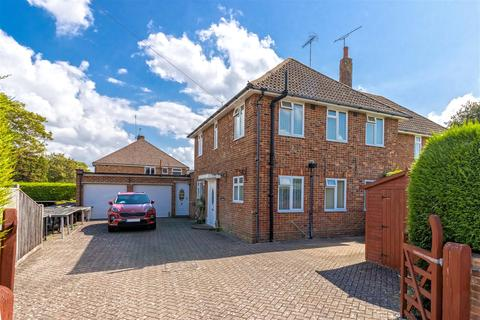 3 bedroom semi-detached house for sale - Wavertree Road, Goring-By-Sea, Worthing