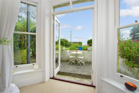 3 bedroom apartment for sale - Southgrove Road, Ventnor, Isle of Wight