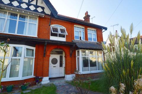 2 bedroom flat to rent - Southbourne Grove, Westcliff-On-Sea, SS0