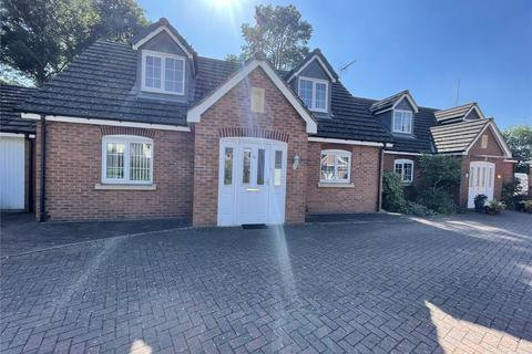 2 bedroom detached house to rent - Musson Close, Marston Green, Birmingham, B37