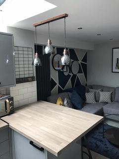 6 bedroom terraced house to rent - Elenora Street, Stoke-on-Trent ST4