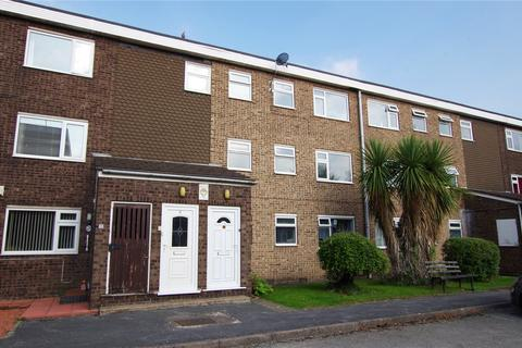 2 bedroom apartment to rent - Harwood Court, Thorn Road, Hedon, Hull, HU12