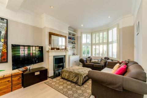 3 bedroom house to rent - Burntwood Lane London SW17