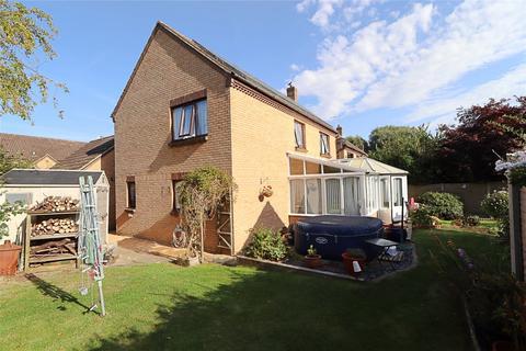 4 bedroom detached house for sale - Milfoil Avenue, Conniburrow, Milton Keynes, Bucks, MK14