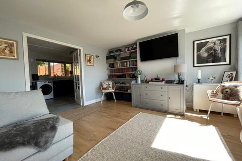 2 bedroom ground floor flat for sale - Long Cross, Felton