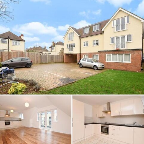 3 bedroom apartment to rent - Mays Lane,  Barnet,  EN5
