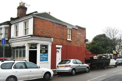 2 bedroom maisonette to rent - Seaford Road, London, N15 5DT