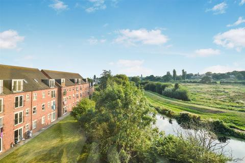 2 bedroom flat for sale - Willow Tree Close, Lincoln