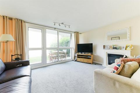 2 bedroom apartment for sale - Basinghall Gardens, Sutton