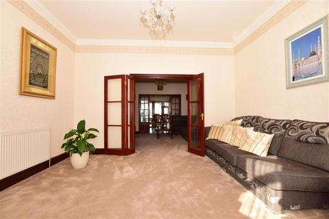 4 bedroom terraced house for sale - Dalkeith Road, Ilford, Essex