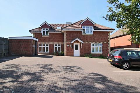 2 bedroom flat for sale - 8 Lordswood Road, Southampton