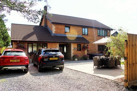 5 bedroom detached house for sale - Westfield Road, Waunarlwydd, Swansea, SA5
