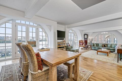 2 bedroom flat for sale - The Highway, Wapping, London, E1W