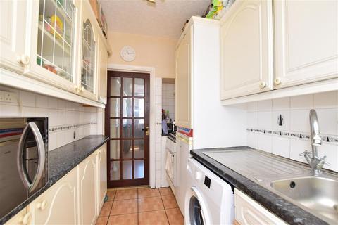 3 bedroom terraced house for sale - Westminster Gardens, Barking, Essex