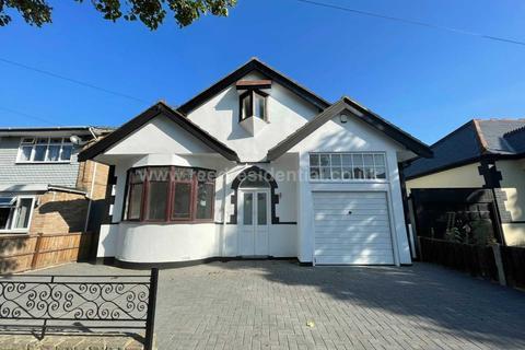 5 bedroom chalet to rent - Silversea Drive, Westcliff On Sea