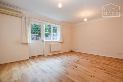 3 bedroom terraced house to rent - Gower House, Chaucer Way, SW19