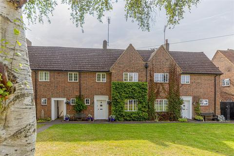 3 bedroom terraced house for sale - Brockett Close, Welwyn Garden City, Hertfordshire