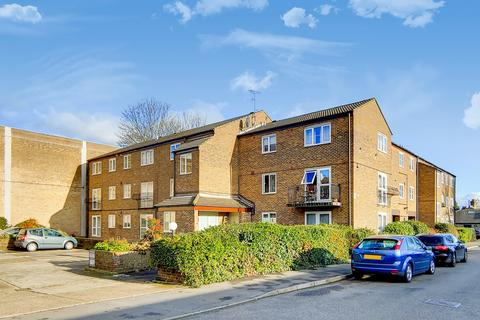 1 bedroom flat to rent - St. Gerards Close, London, SW4