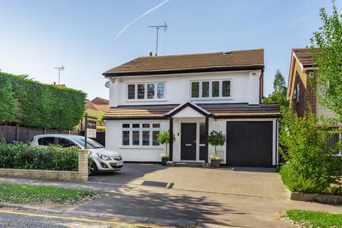 4 bedroom detached house for sale - Kilworth Avenue, Shenfield, Brentwood