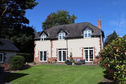 4 bedroom cottage for sale - Knutsford Road, Alderley Edge