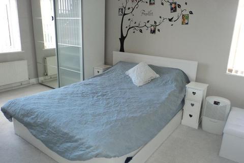 2 bedroom flat to rent - Maiden Lane, Crayford, Kent, DA1 4AQ