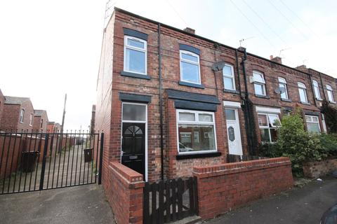 3 bedroom end of terrace house to rent - Victoria Avenue, Wigan, WN6