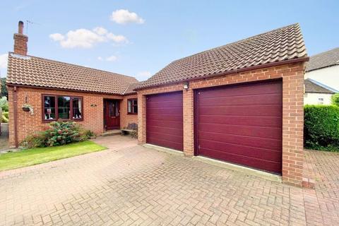 3 bedroom detached bungalow for sale - Bridge Street, Marston