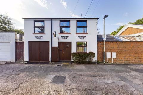 2 bedroom detached house for sale - Malden Road, Cheltenham, Gloucestershire