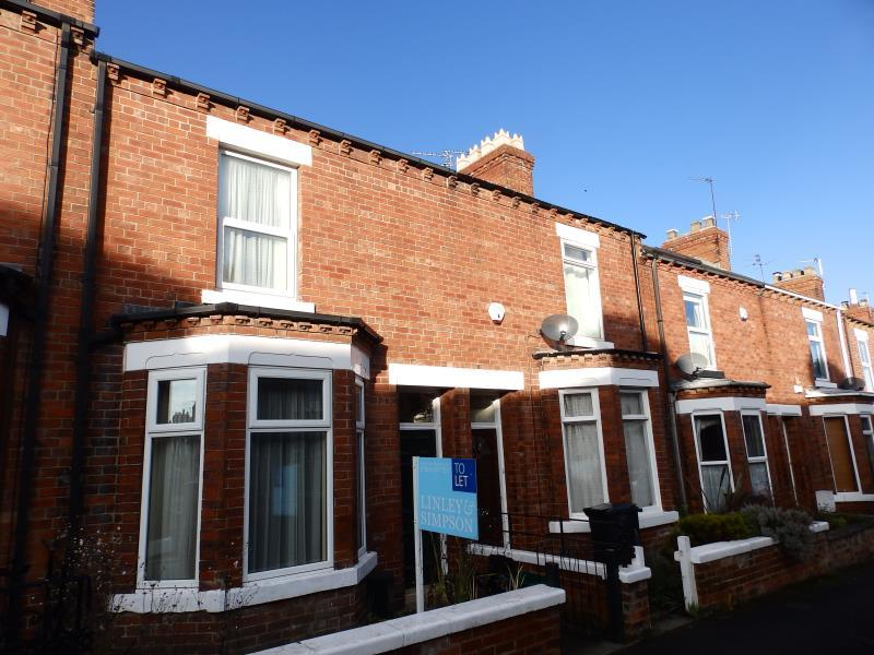 2 Bedrooms Terraced House for rent in LINDLEY STREET, HOLGATE, YORK, YO24 4JF